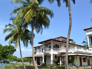Villa Barbara Negombo Srilanka Pool+ Lagoon View - Negombo vacation rentals