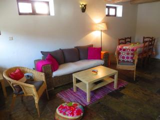 Nice Cottage with Internet Access and Outdoor Dining Area - Bordeira vacation rentals