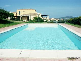 Villa dei due Mari con piscina privata 12 p.l. - Stintino vacation rentals