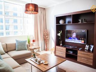 Brand New Luxury 1 B/R 3 Min from DUBAI MALL - Emirate of Dubai vacation rentals