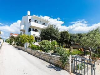 Villa Mirella - apartment for 5, right at the sea! - Zadar vacation rentals