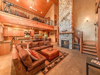 Stunning Mountain Home! 4BR+Loft | Sleeps 12 | Hot Tub | 3-for-2 Special! - Cle Elum vacation rentals