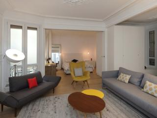 One bedroom   Paris Notre Dame des Champs district (991) - Paris vacation rentals