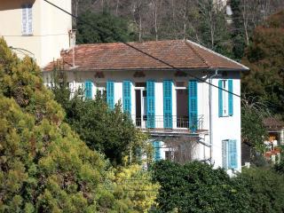 un trois pièces calme et sa grande terrasse - Menton vacation rentals