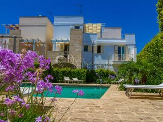 Holiday apartment with pool near Gallipoli - Santa Maria al Bagno vacation rentals