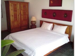Confortable two bedrooms in Phnom penh - Phnom Penh vacation rentals