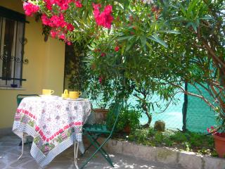 Nice House with A/C and Television - Este vacation rentals