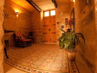 Sunny 3 bedroom Rabat House with Internet Access - Rabat vacation rentals