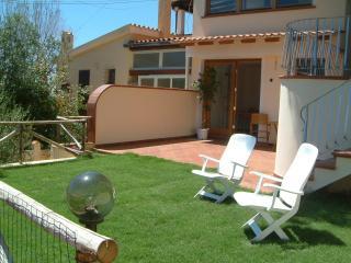 Casa con giardino a 200m dalla spiaggia - Geremeas vacation rentals