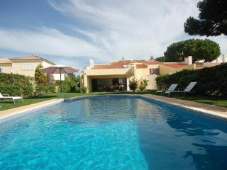 Villa Biarritz 4 bedroom Vilamoura - Vilamoura vacation rentals