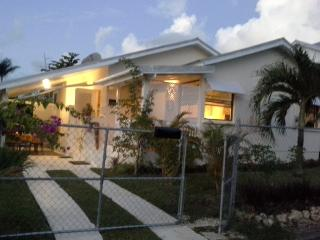 Tropical Dream Cottage Gold Coast St. James - Weston vacation rentals