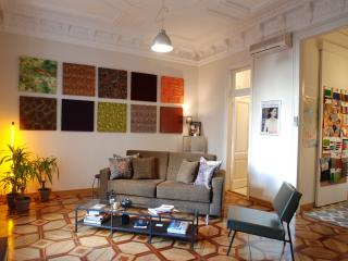 ATELIER simple elegance (covered terraced) - Barcelona vacation rentals