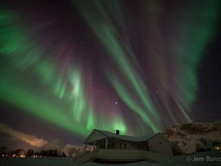 Larsvoll Gard Cabin- Ideal For The Northen Lights! - Lyngseidet vacation rentals