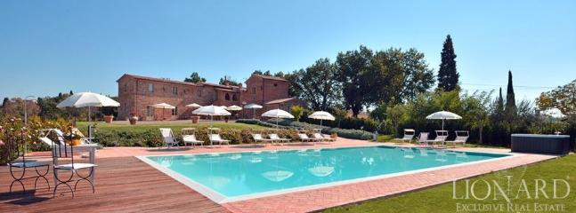 Holiday accomodation in grand Tuscan villa in magn - Bettolle vacation rentals