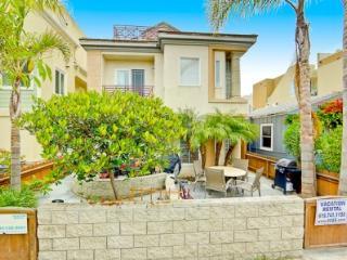 Summer Vacation Rental - Sleeps 8 Maximum - Mission Beach vacation rentals
