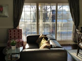 Regal Robina House ~ Perfect for 5 + prkg+laundry - Toronto vacation rentals