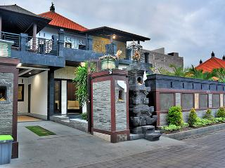 Nice Villa with Deck and Internet Access - Denpasar vacation rentals