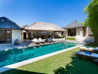 Charlie Luxury 3BR Villa, Large Pool-Seminyak - Kerobokan vacation rentals