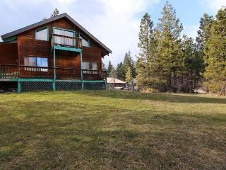 Dog-friendly cabin w/ shared pool and hot tub plus wrap-around porch & deck - Garden Valley vacation rentals