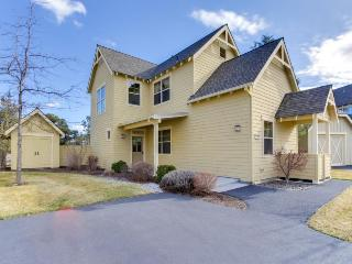 Tudor-style townhome w/ shared pool, hot tub & resort amenities - Redmond vacation rentals