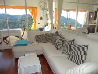 Sunny Apartment with Deck and Garden in Begur - Begur vacation rentals
