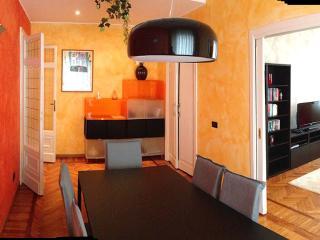 Casa di prestigio a Milano zona San Babila/Duomo - Milan vacation rentals