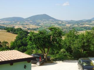 Nice 3 bedroom Fabriano Bed and Breakfast with Internet Access - Fabriano vacation rentals