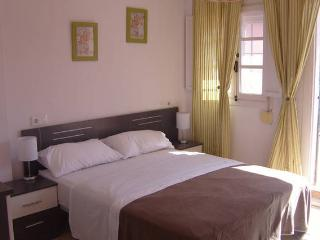 Holiday double bedroom with roomsbikeanddive - Algeciras vacation rentals