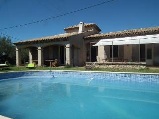 Nice Villa with Internet Access and Central Heating - Blauzac vacation rentals