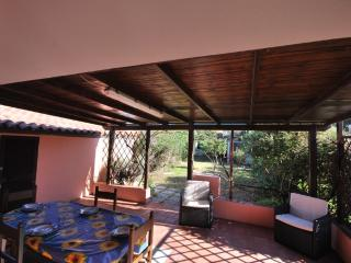 Villa Elicriso5 con vista mare e giardino privato - Santa Teresa di Gallura vacation rentals
