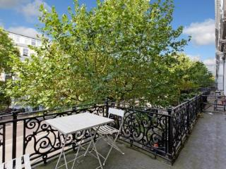 Lovely Flat with balcony in Hyde Park - London vacation rentals