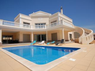 Villa Costa 4 bedroom Vila Sol - Vilamoura vacation rentals