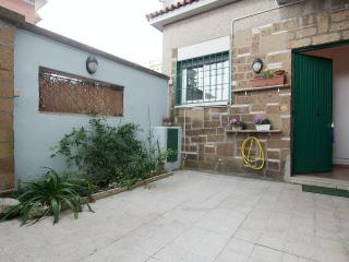 Romantic 1 bedroom Acilia Townhouse with Internet Access - Acilia vacation rentals
