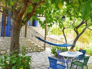 2 bedroom Guest house with Internet Access in Vlicho - Vlicho vacation rentals