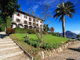 Gracious villa with pool and amazing lake views! - Pallanza vacation rentals