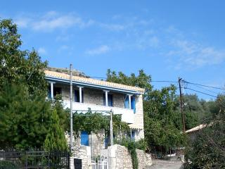 Bright 3 bedroom House in Vlicho - Vlicho vacation rentals
