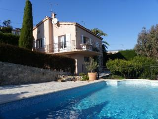Villa Yasmine, cosy little villa with pool seaview - Cannes vacation rentals