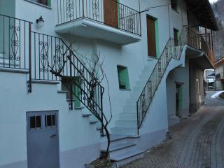 Apartamento rustico di montagna - Gravere vacation rentals