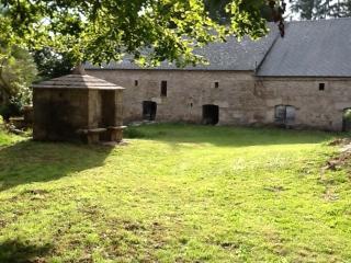 La Côte is a 1790s restored stone farmhouse - Saint-Merd-les-Oussines vacation rentals