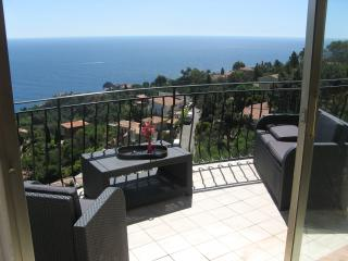 Nice Villa with Internet Access and Dishwasher - Théoule sur Mer vacation rentals