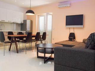 BRBLAZENKA-A1 6+2 - Brela vacation rentals