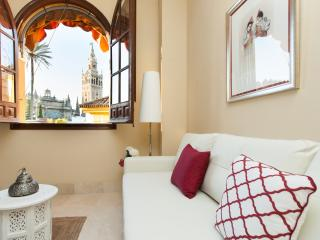 APARTMENTSOLE-NEW APARTMENT WITH FANTASTIC VIEWS - Seville vacation rentals