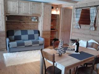 L'Hibou - Appartamento di charme in Valle d'Aosta - Gignod vacation rentals