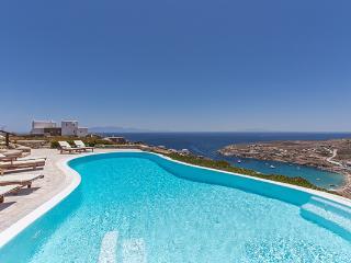 The largest in the Super Paradise Villa complex, above Super Paradise Beach. LIV SP1 - Mykonos vacation rentals