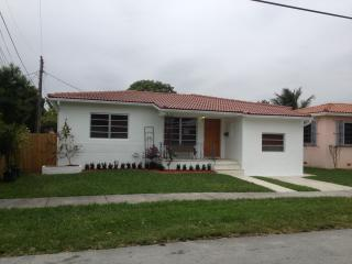 SH COMPLETELY REMODELED AND NEWLY FURNISHED HOUSE - Coconut Grove vacation rentals