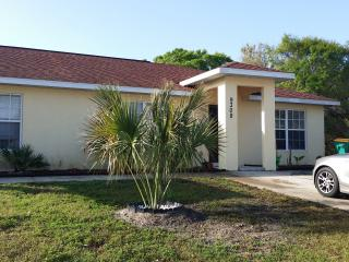 Cozy 2 bedroom Florida South Gulf Coast House with Deck - Florida South Gulf Coast vacation rentals