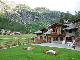 Chez Les Roset ~ RA33079 - Gressan vacation rentals