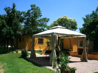 CASA VACANZE in Valdichiana con piscina - Alberoro vacation rentals