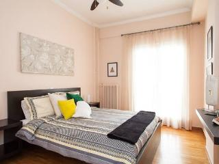 Cosy and tasteful - Athens vacation rentals