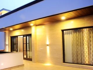 3 bedroom Condo with Internet Access in Gurgaon - Gurgaon vacation rentals